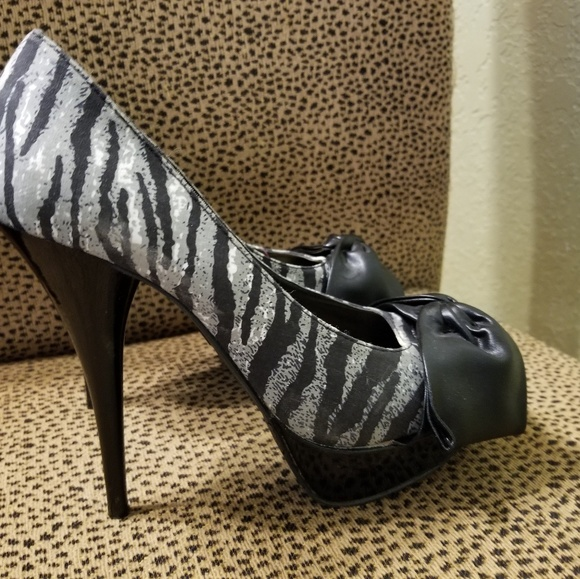 Candie's Shoes - WOMENS Candies high heels size 7 open toe